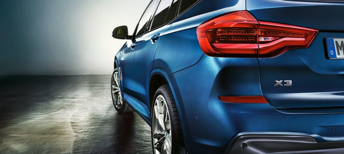 BMW X3 M40i, Dreiviertelheckschuss mit LED-Heckleuchten